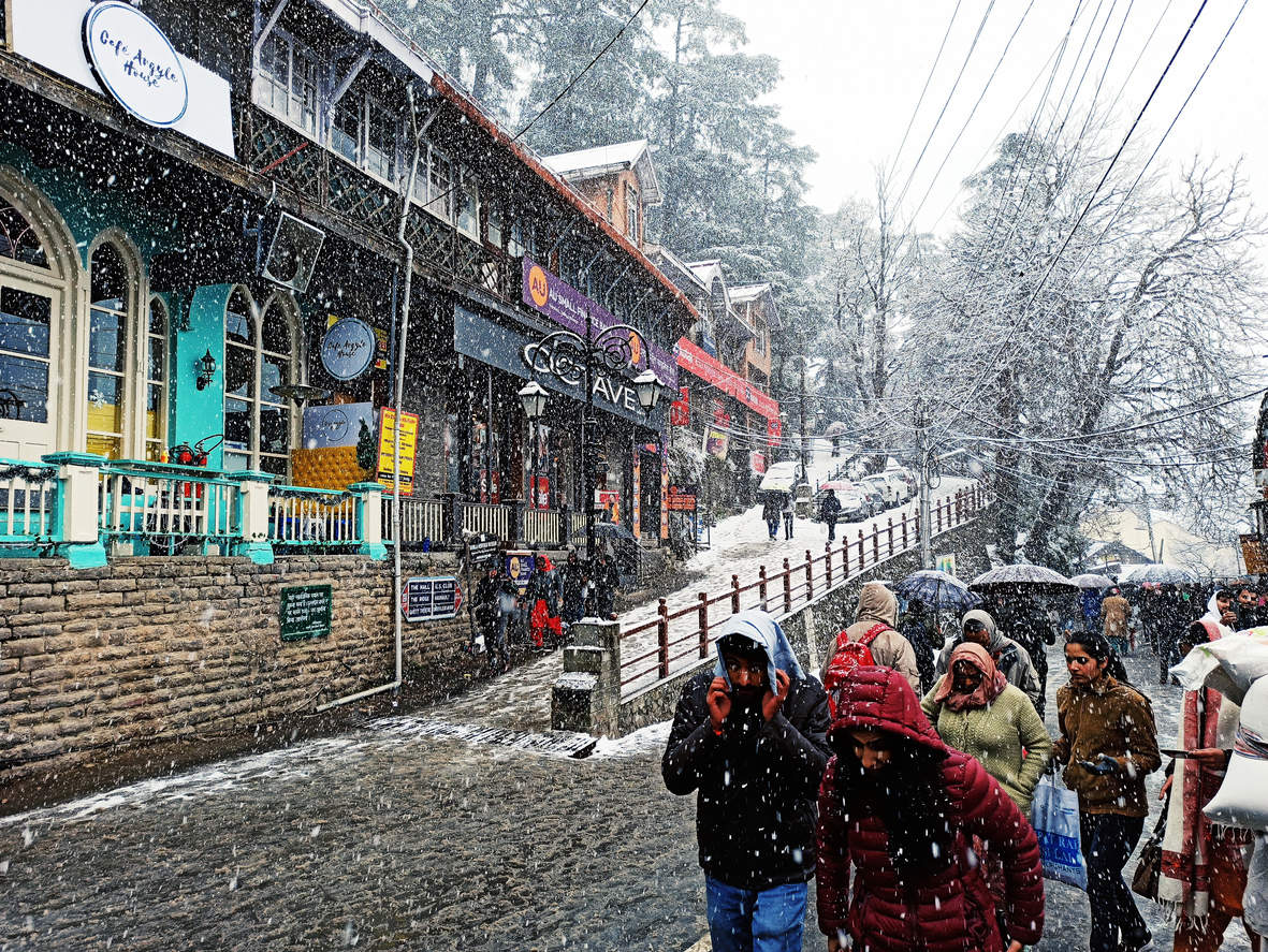 Met department issues warning for heavy snowfall and rain in Himachal  Pradesh   Times of India Travel