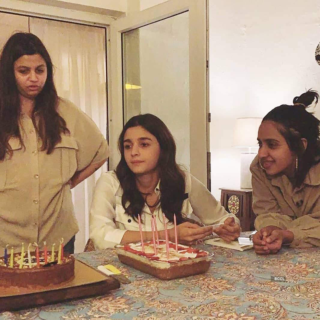 Inside pictures from Alia Bhatt's exciting birthday party