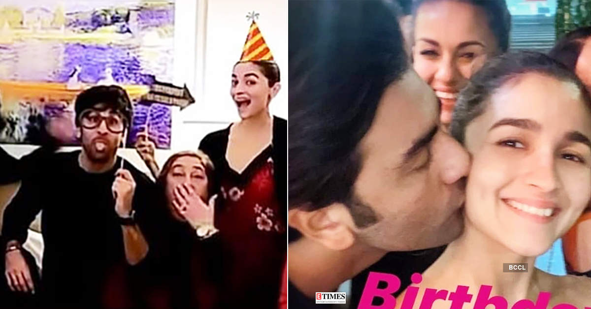 This throwback picture of Alia Bhatt & Ranbir Kapoor from Kareena Kapoor's Christmas party goes viral