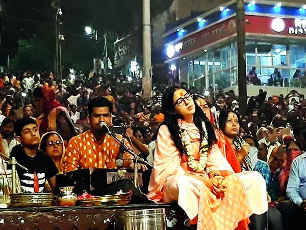 Sara Ali Khan during the Ganga Aarti (BCCL)