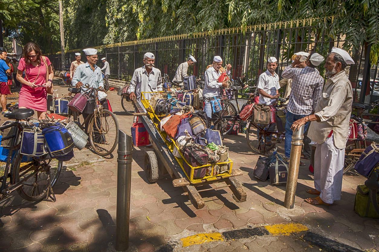 Coronavirus brings Mumbai to a halt; dabbawallas stop service