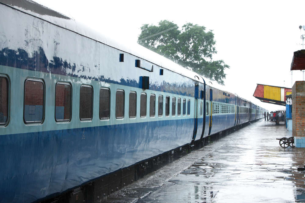 IRCTC asks passengers not to cancel train tickets for refund, suspends train services till April 15