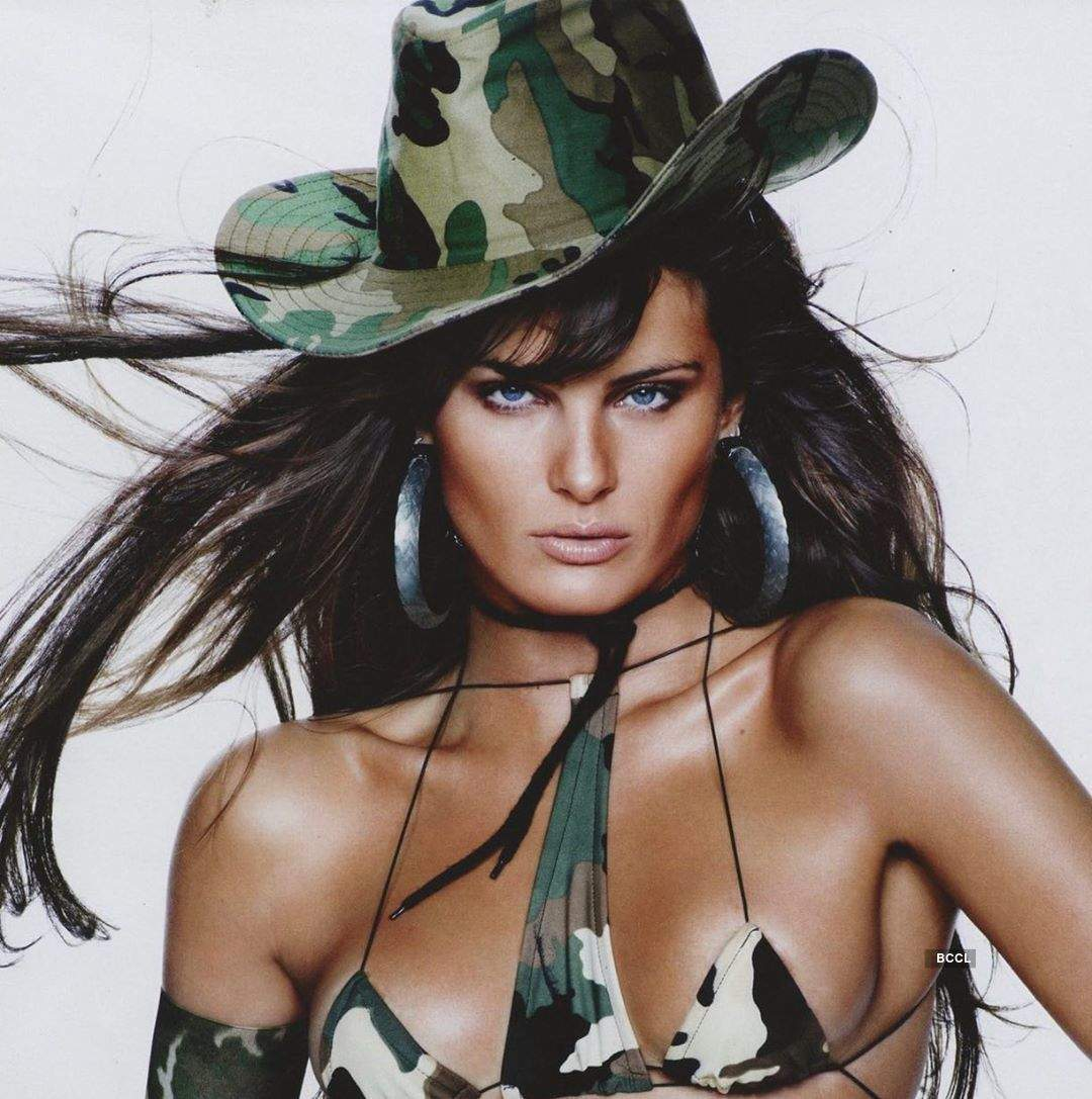 Isabeli Fontana looks stunning in these bewitching photos
