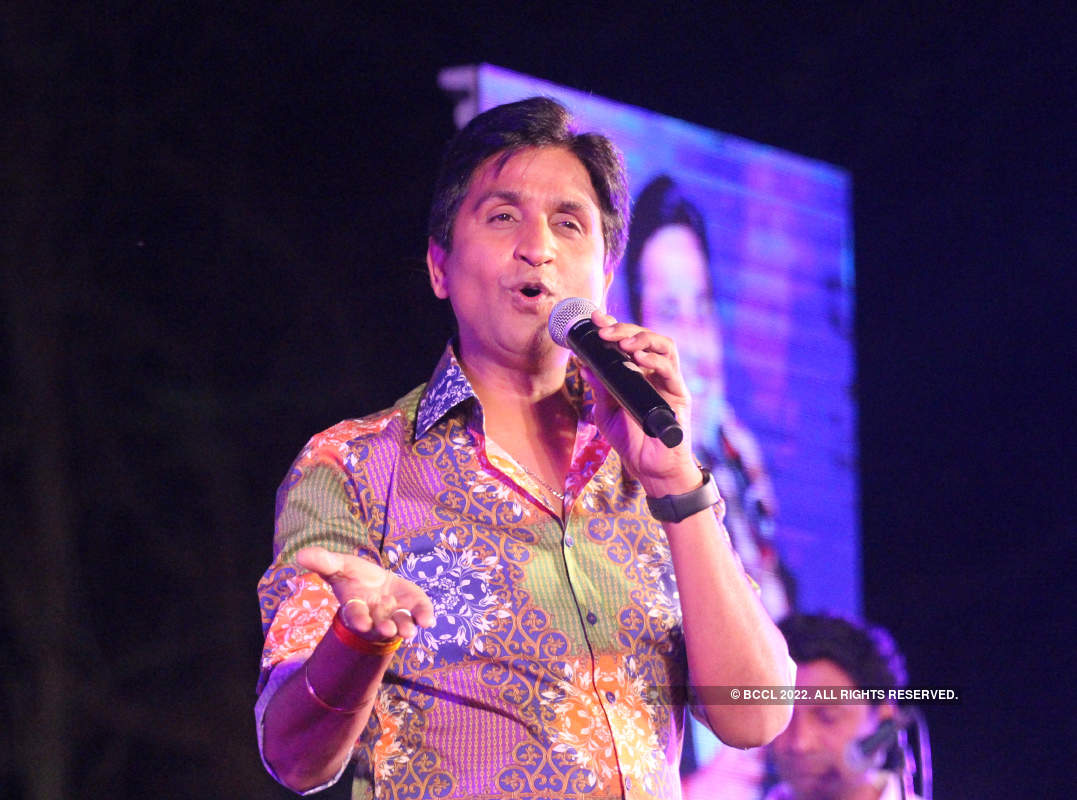 Kumar Vishwas performs at an event in Banaras