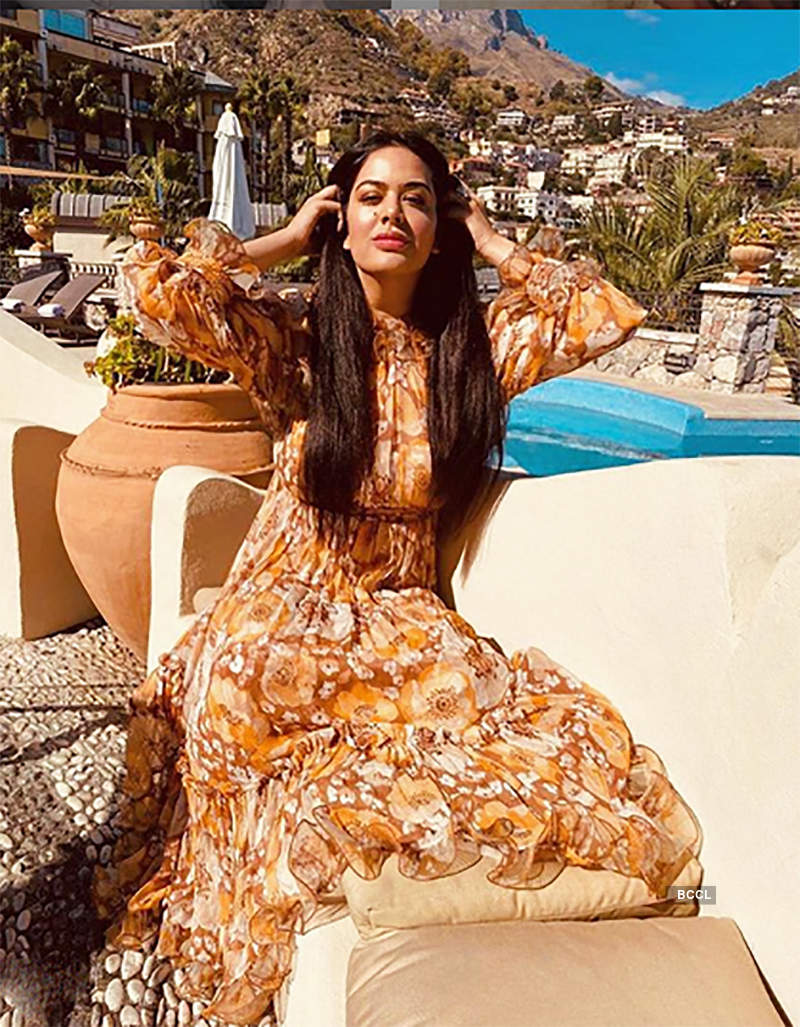Glamorous pictures of Sanjay Dutt's daughter Trishala Dutt you simply can't give a miss!
