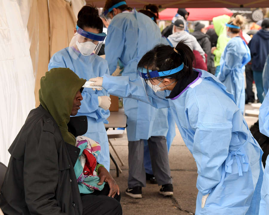 Coronavirus death toll crosses 2,300 in US