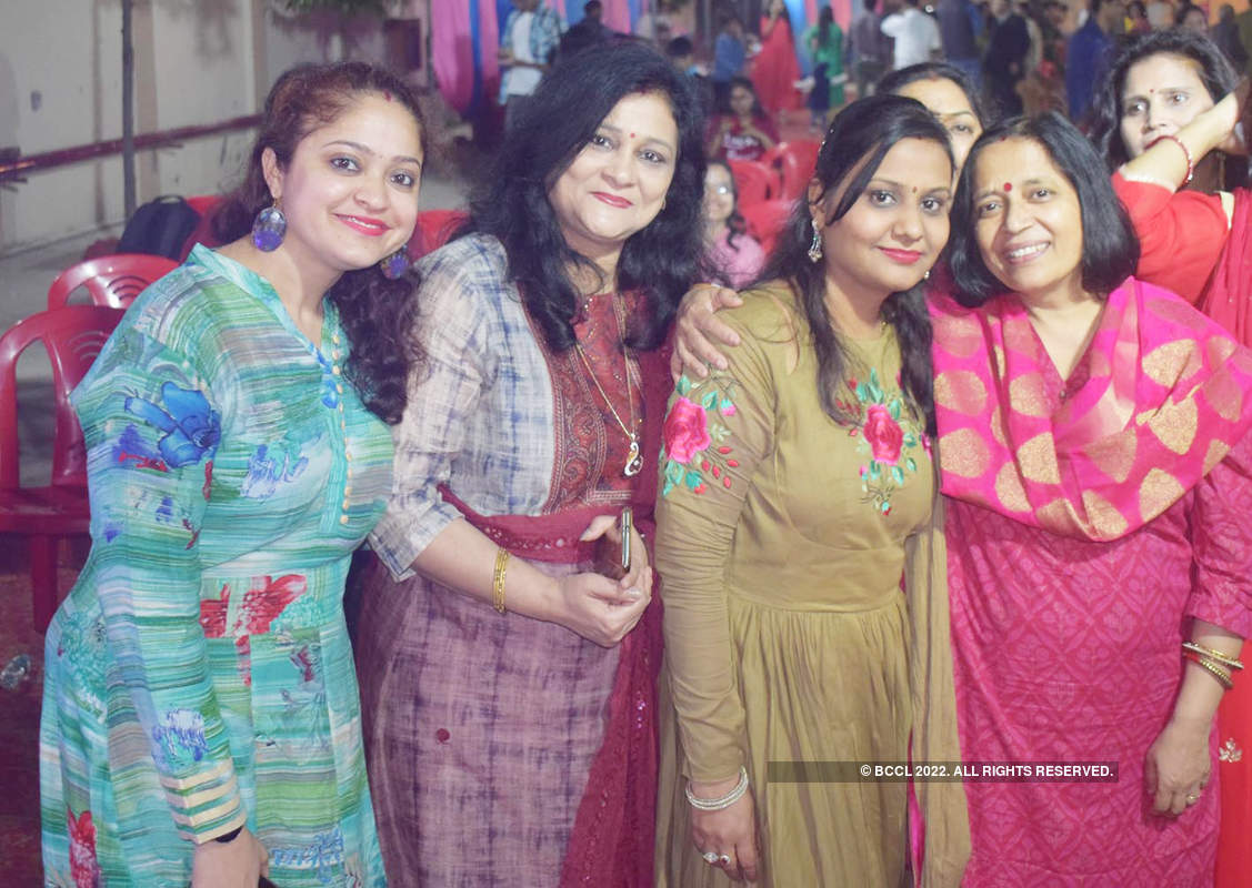 An evening full of dance and masti in Prayagraj