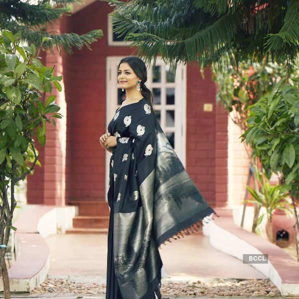 Sanjana Vij draped in six yards of pure grace