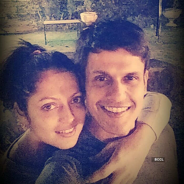 Romantic pictures of Silsila Badalte Rishton Ka actress Drashti Dhami and Neeraj Khemka
