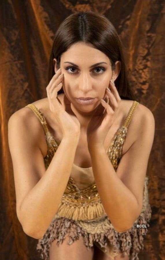 Niki Alexandridou to represent Greece at Miss Earth 2020
