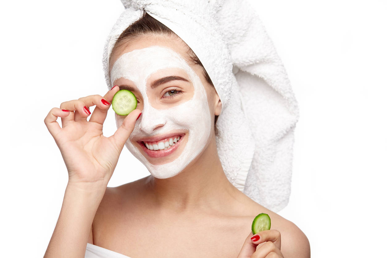 Cucumber and sugar face pack