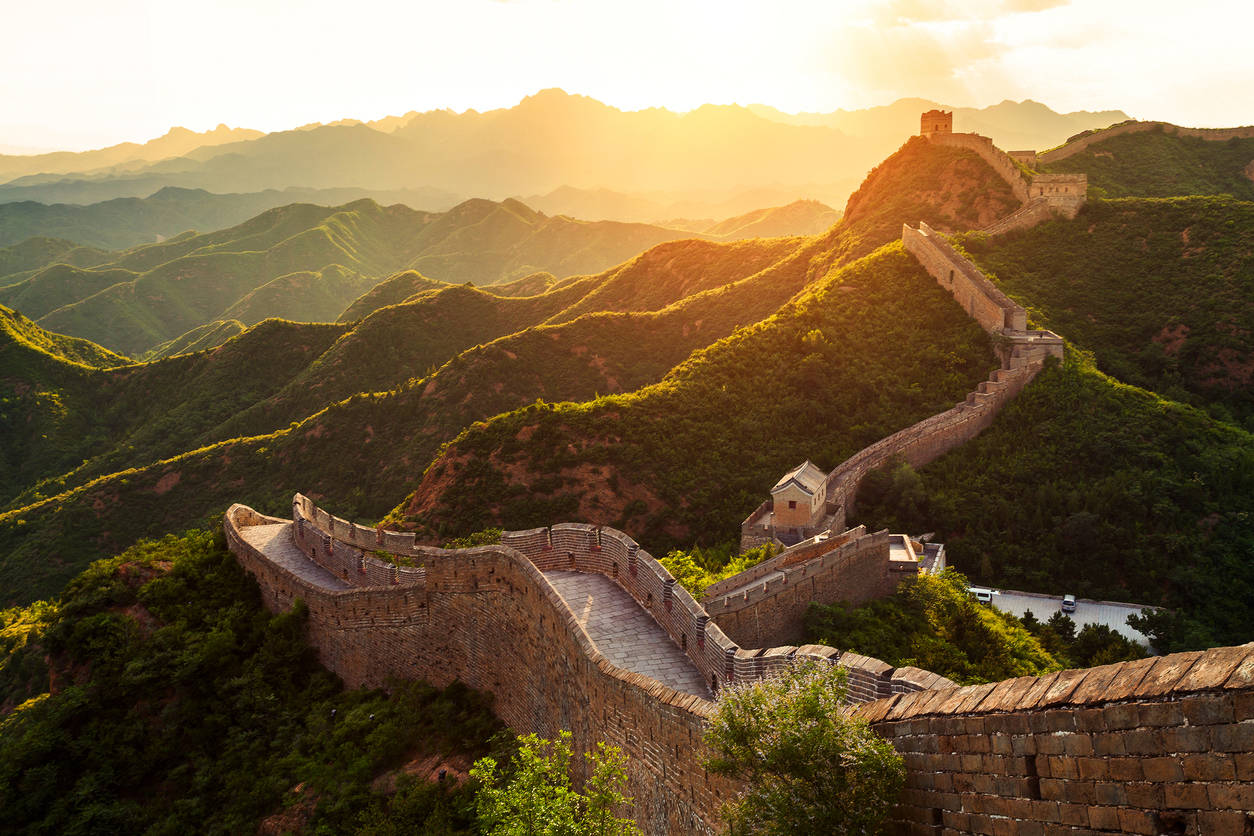China: Great Wall to 'blacklist' misbehaving tourists, announce their names publicly