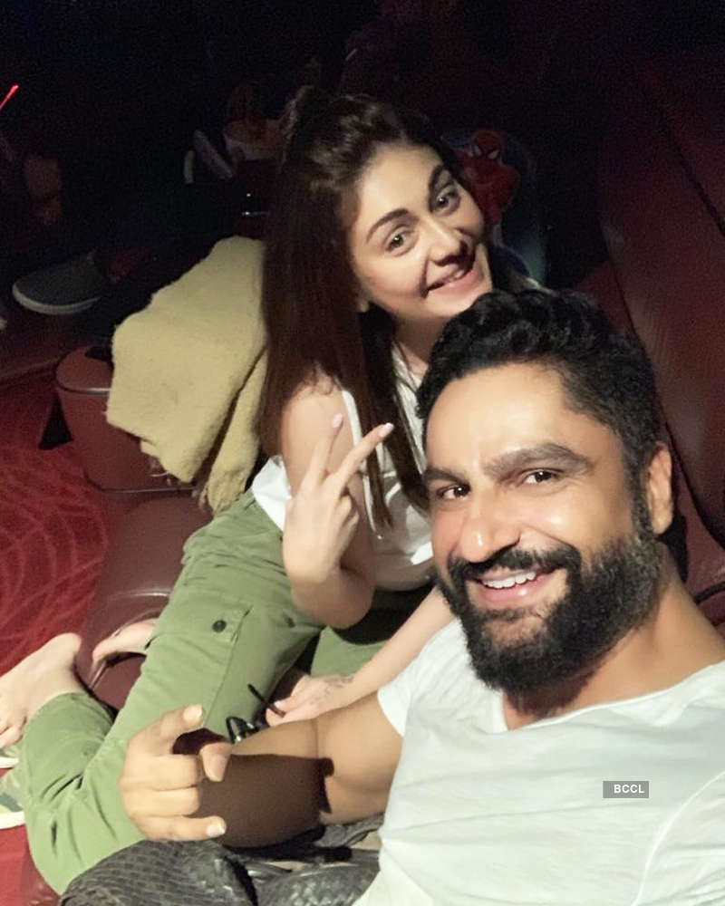 These romantic vacation pictures of Shefali Jariwala with hubby will make you hit the beach!