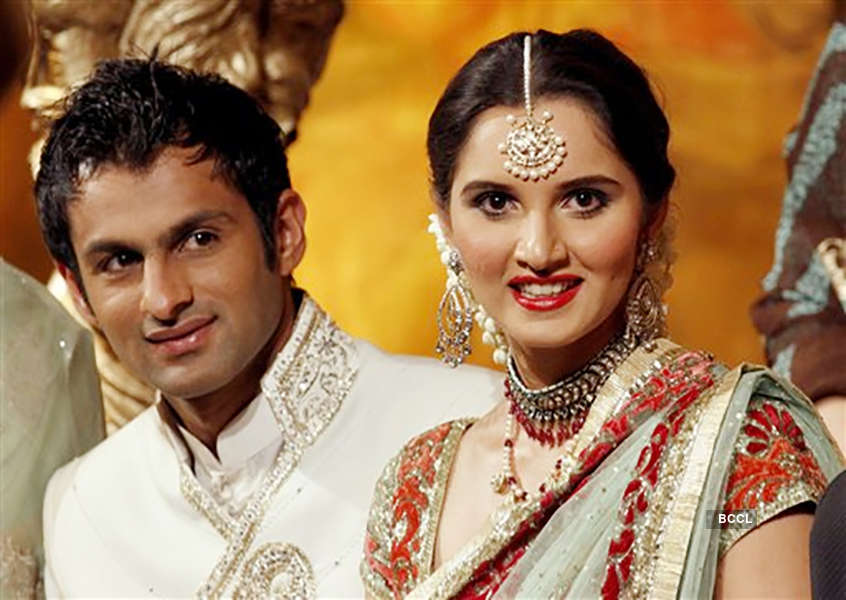 Sania Mirza and Shoaib Malik give us couple goals with these lovely pictures