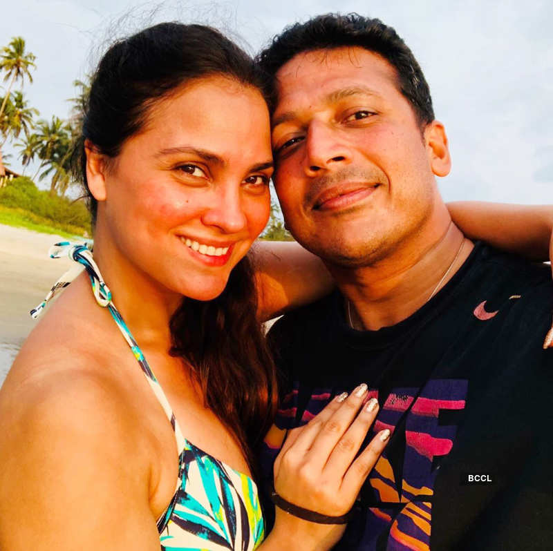 Mahesh Bhupathi hosts a virtual birthday party for his lovely wife Lara Dutta