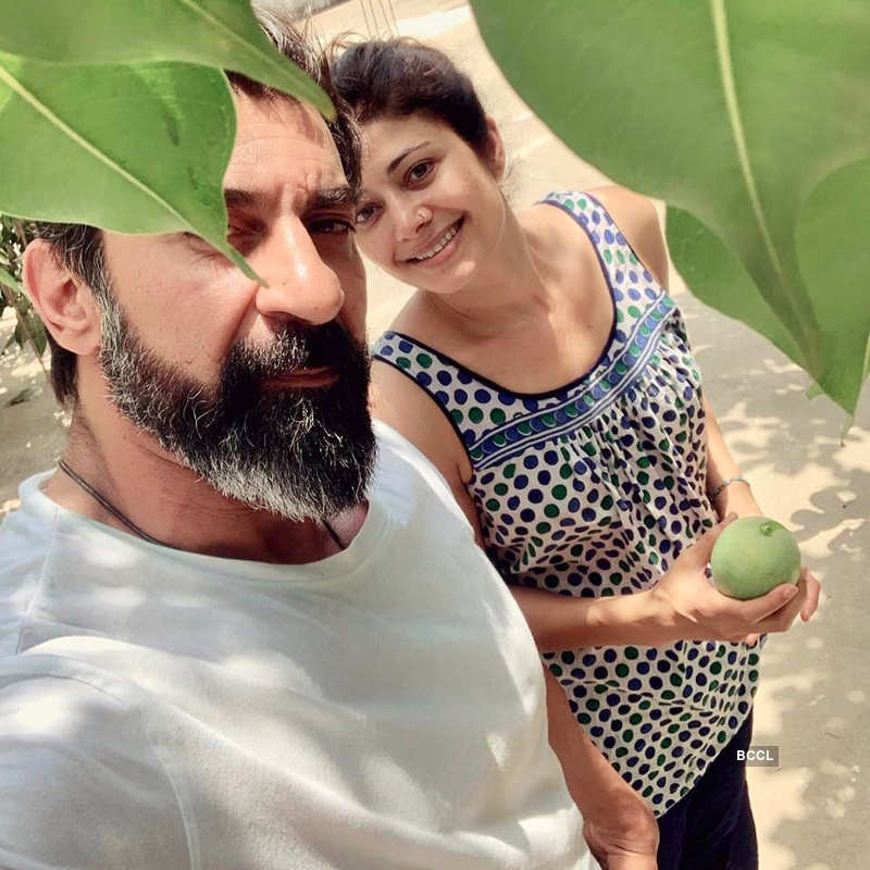 Romantic pictures of Pooja Batra and Nawab Shah go viral on social media