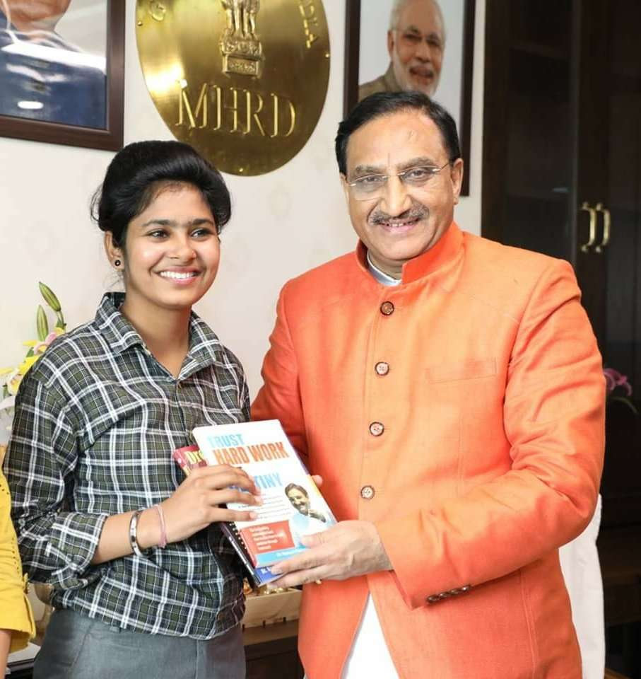 Truck driver's daughter motivates 10 lakh underprivileged children towards education