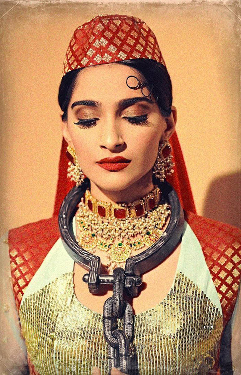Sonam Kapoor's Mughal-e-Azam look for a photoshoot is breaking the internet