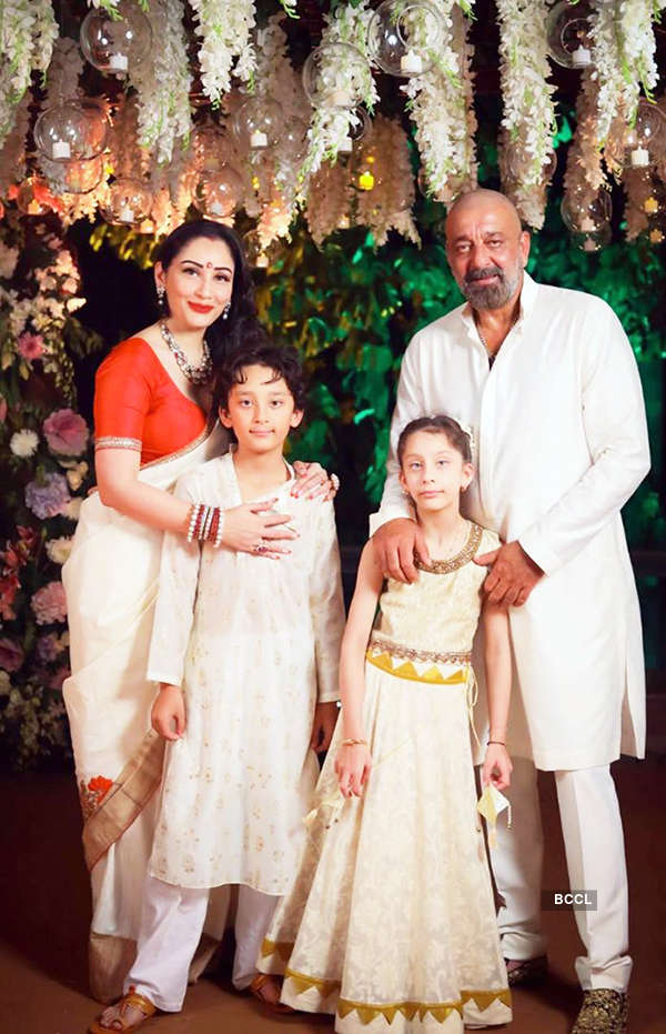 Sanjay Dutt is missing wife Maanayata & kids stuck in Dubai amid lockdown, see pictures