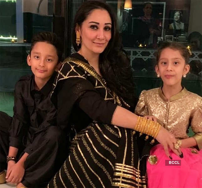 Sanjay Dutt is missing wife Maanayata & kids stuck in Dubai amid lockdown, see pictures