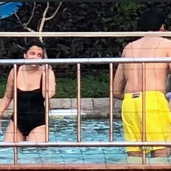 These throwback vacation pictures of Aishwarya Rai & Abhishek Bachchan with family go viral…
