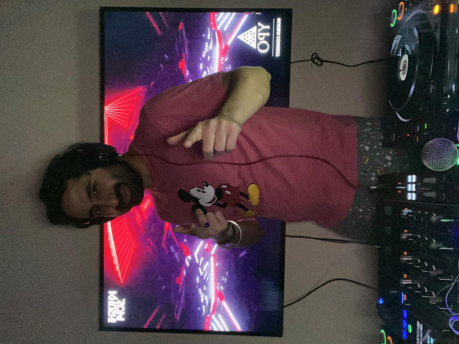 DJ Khushi.