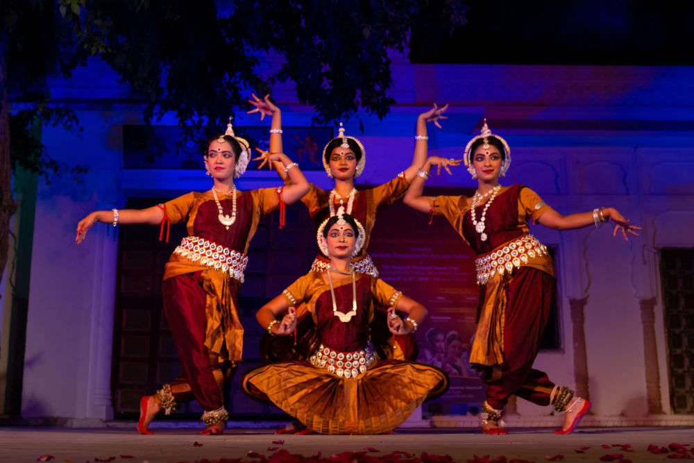 A walk through India: the famous classical Indian dance forms and ...