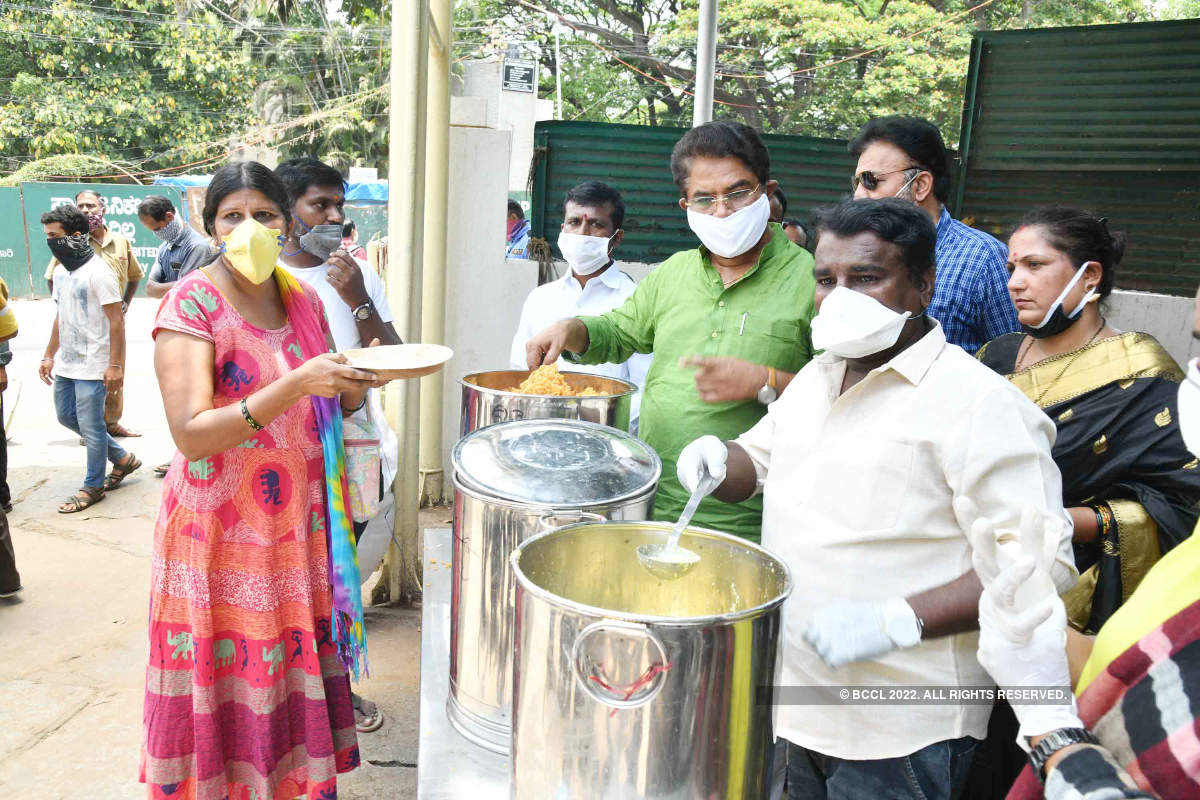 Food kits distributed to artists in the Kannada film industry