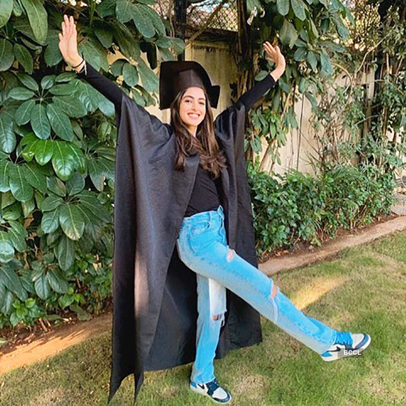 Stylish pictures of Navya Naveli Nanda go viral