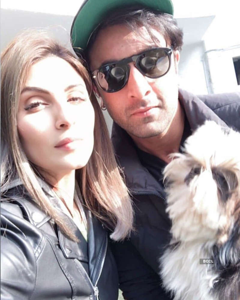 Candid pictures of Bollywood stars with their lesser known siblings