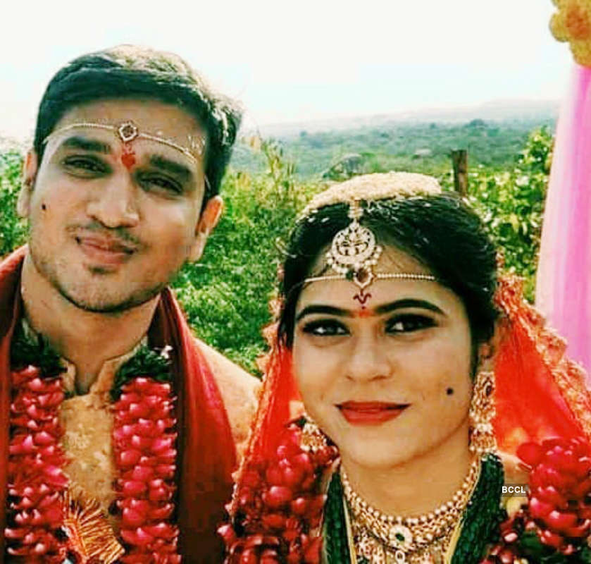 Telugu actor Nikhil Siddhartha ties the knot with Dr Pallavi Varma amid lockdown, see pictures