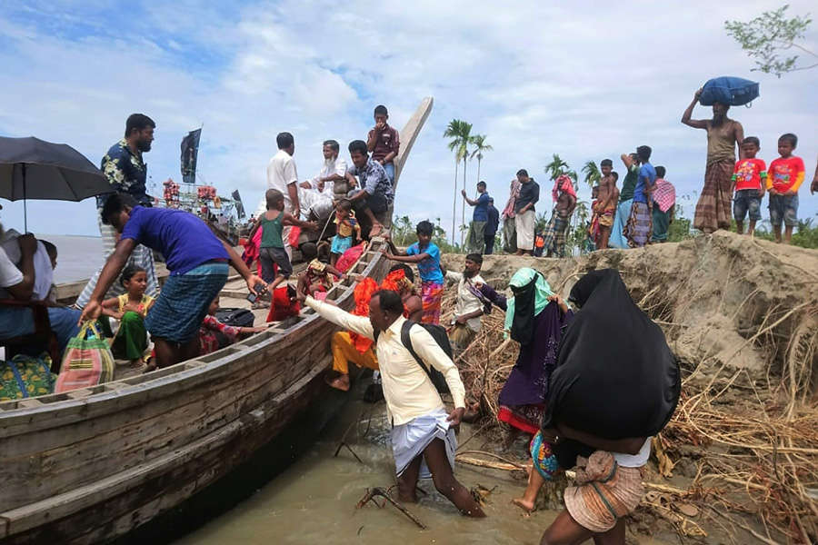 Millions evacuated as India, Bangladesh brace for the 'Super Cyclone' Amphan