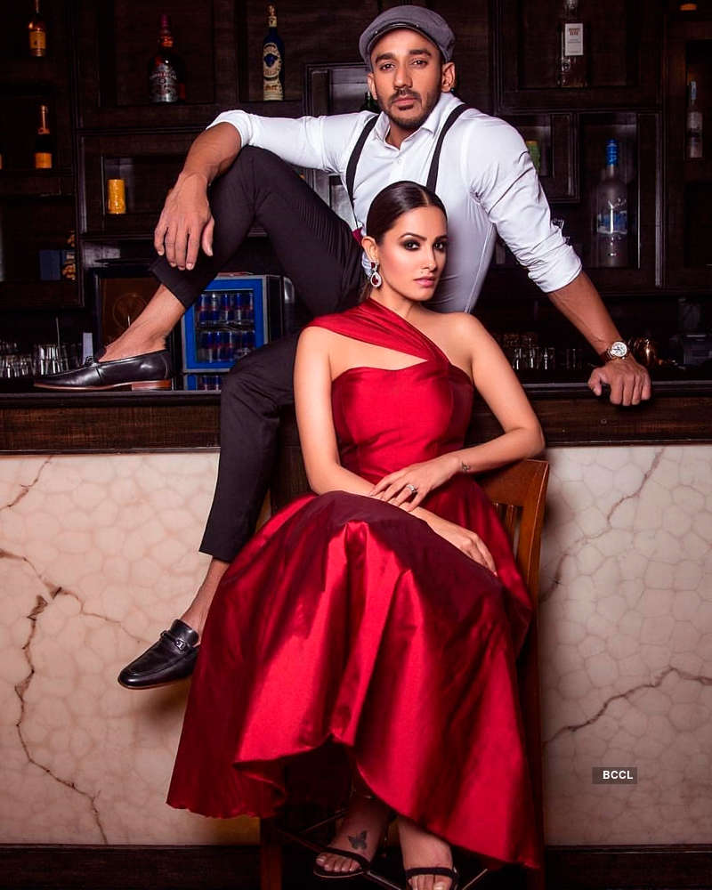 Romantic pictures of Yeh Hai Mohabbatein's Anita Hassanandani and hubby