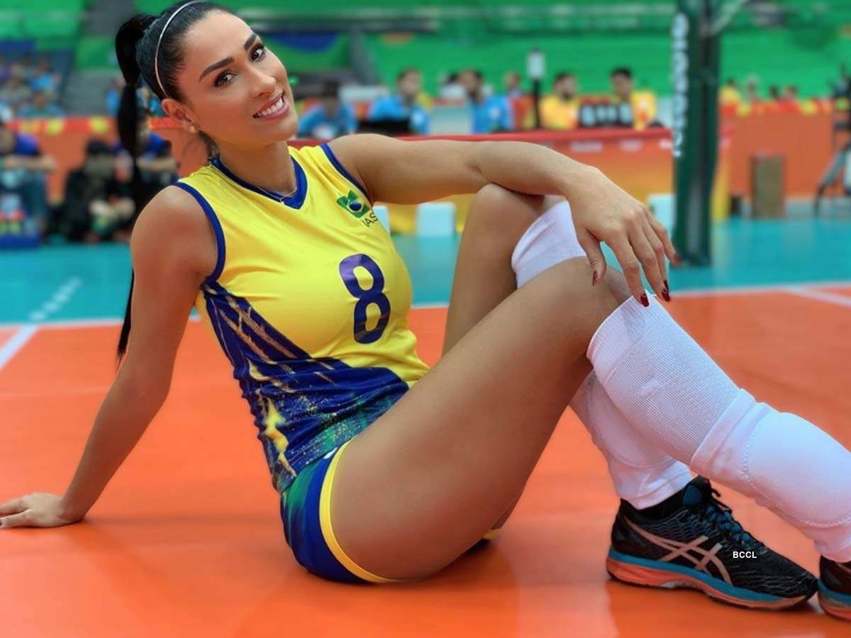 Stunning pictures of Brazilian volleyball star Jaqueline Carvalho