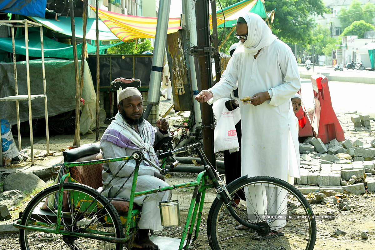 People across the world find new ways to celebrate Eid amid coronavirus, see pictures