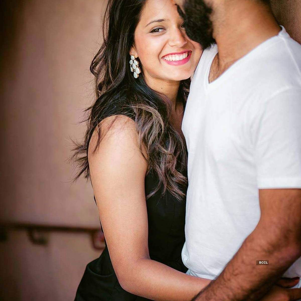 These pictures of Dinesh Karthik's wife Dipika Pallikal prove she is a glam queen
