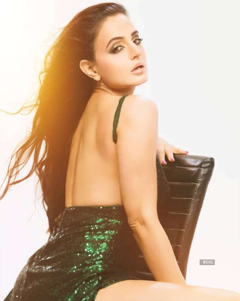 These bewitching pictures of Ameesha Patel will surely take your breath away
