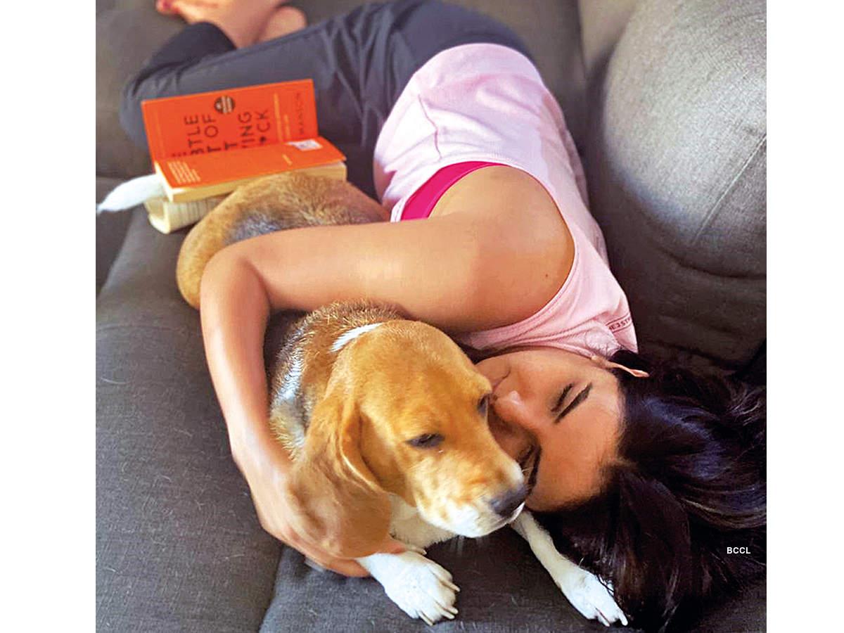 jasmin-with-pet