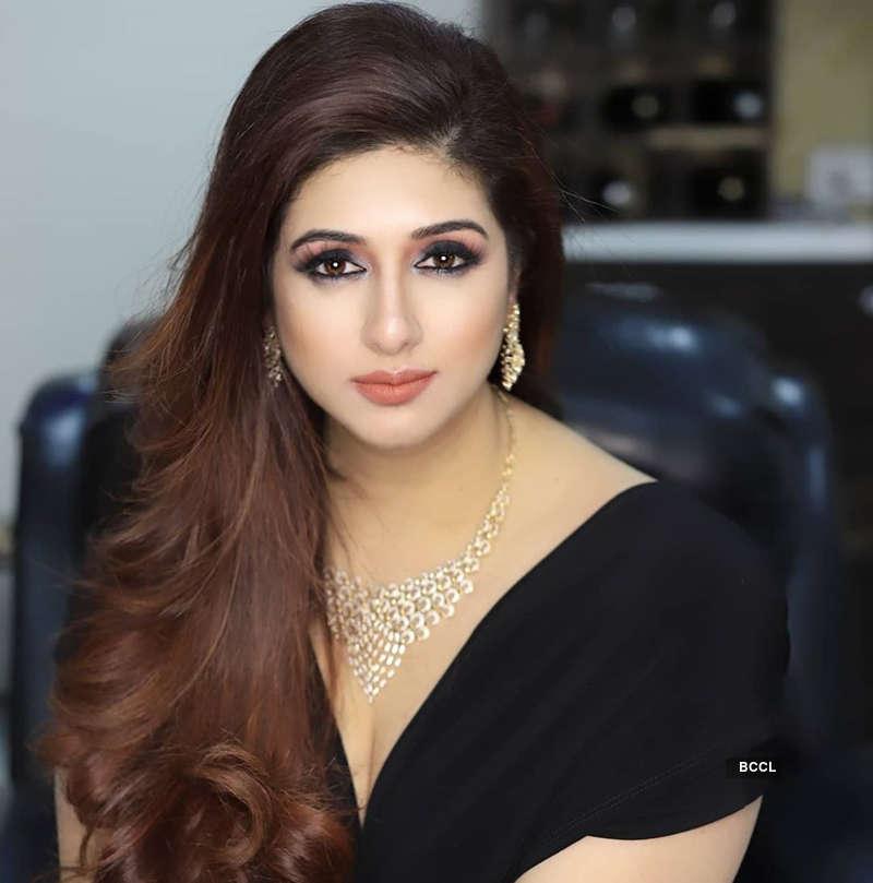 Vahbiz Dorabjee ups the glam quotient with her stunning pictures