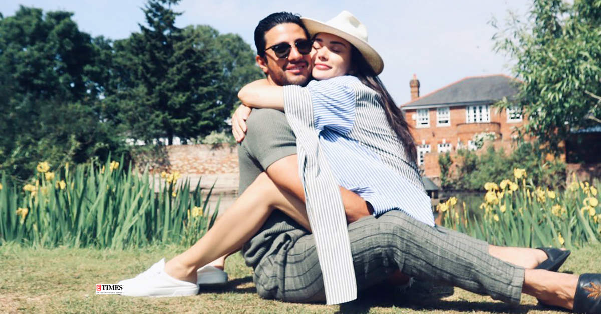 These pictures of Amy Jackson 'frolicking' with beau George Panayiotou go viral…