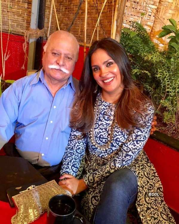 "Lara Dutta: ""My daddy strongest!!"""