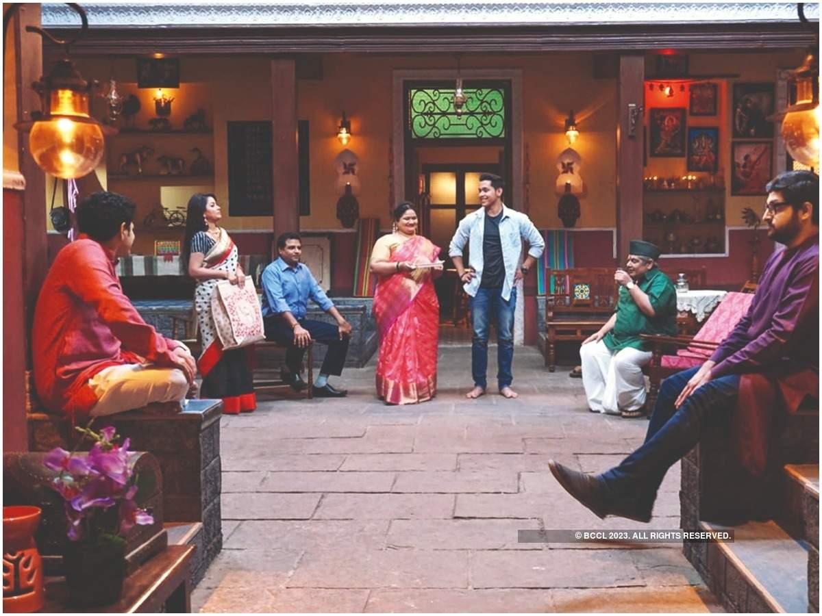 A still from 'Bhakharwadi'