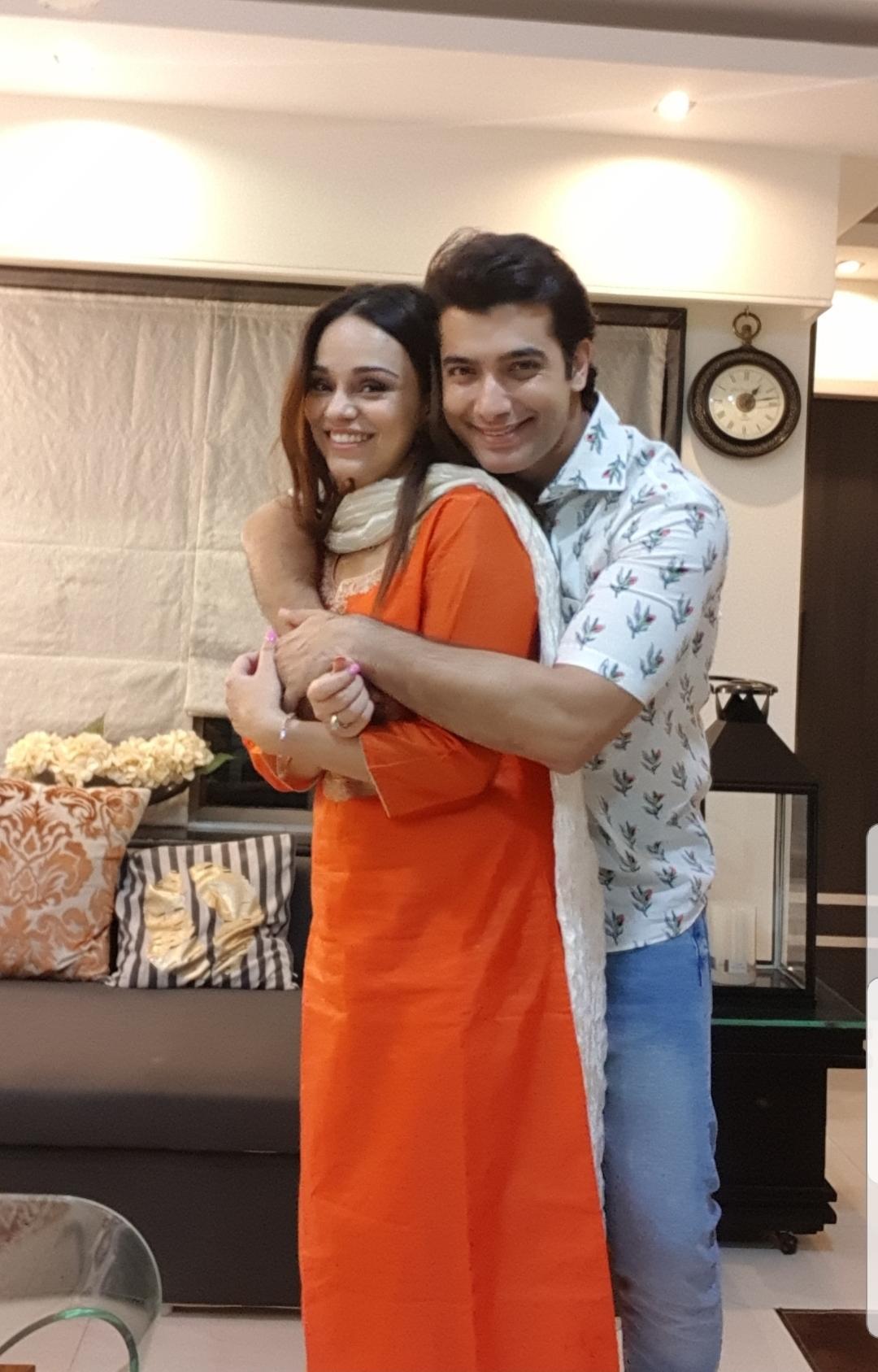 Sharad Malhotra with his wife Ripci