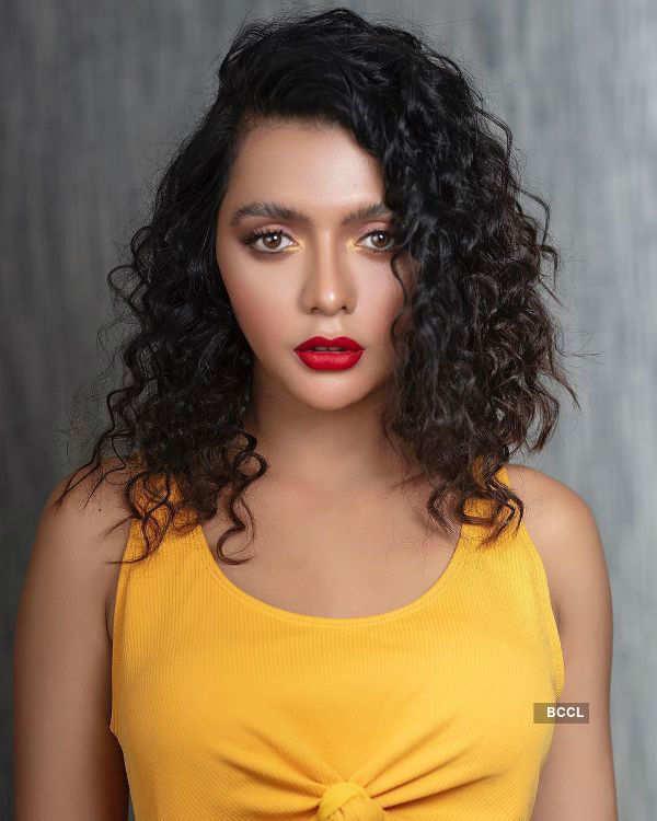 Ruhi Singh: Who runs the world? Curls!
