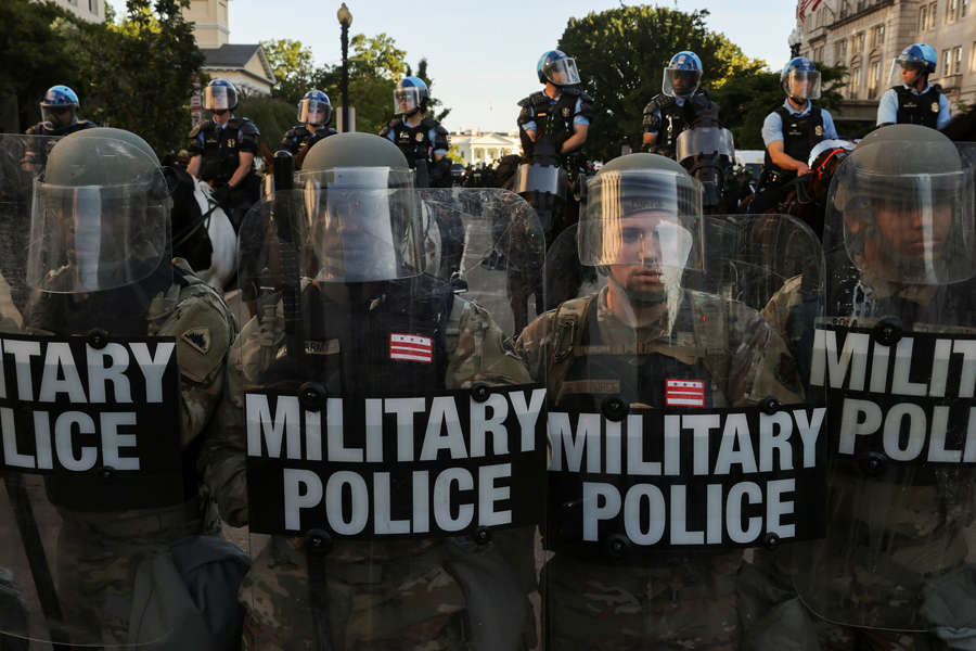 US: National Guard troops deployed amid rising unrest