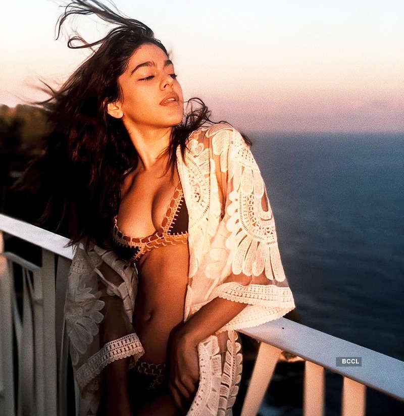 Bewitching pictures of Pooja Bedi's daughter Alaya Furniturewalla you simply can't miss!