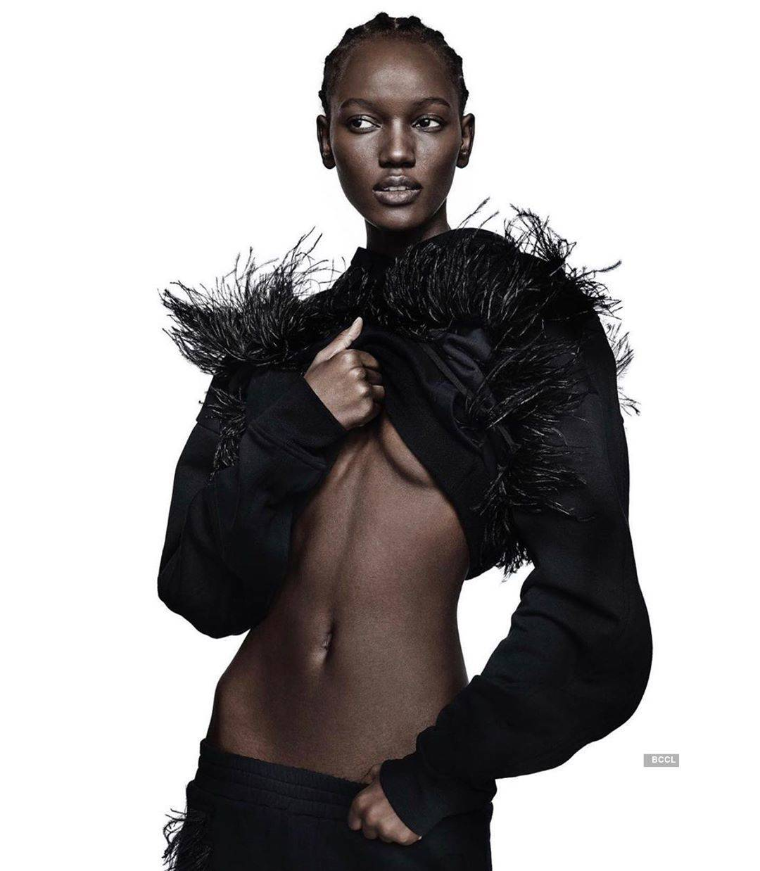 Herieth Paul sets the temperature high with her gorgeous photos