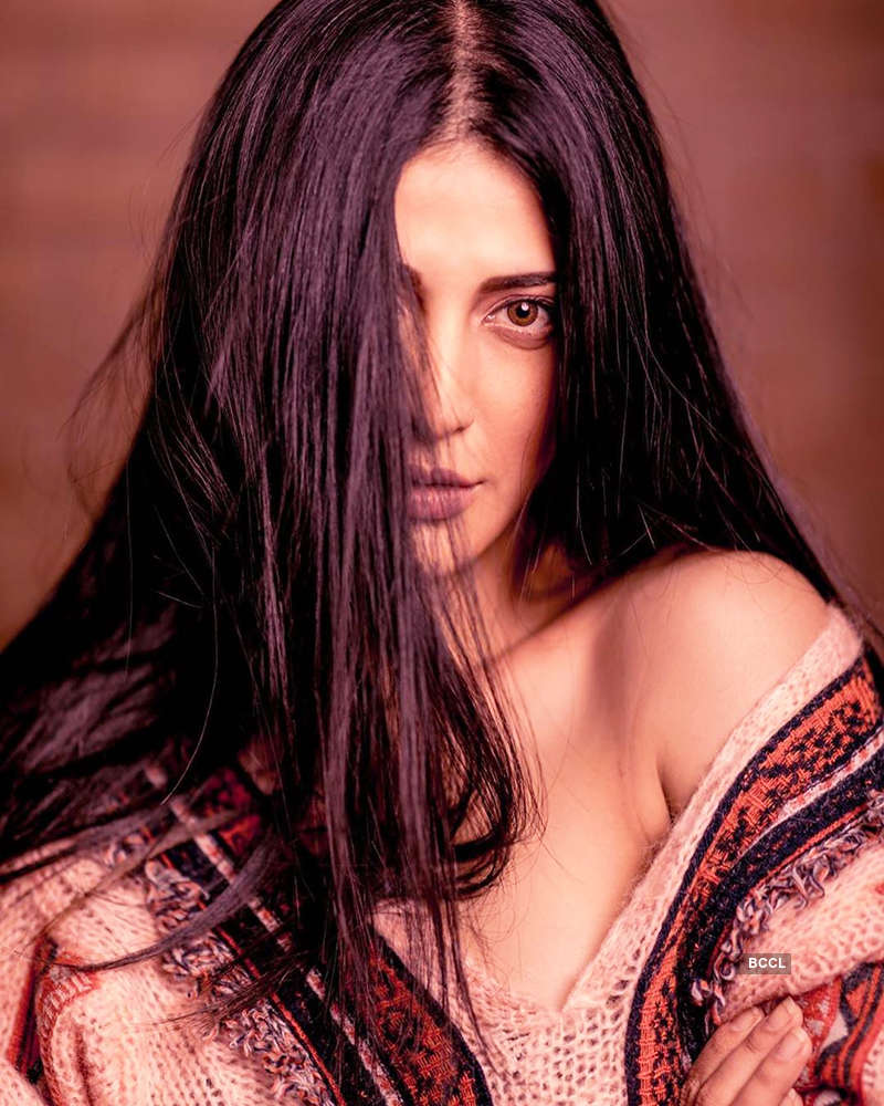 Shruti Haasan opens up about plastic surgery, shuts down trolls like a boss!