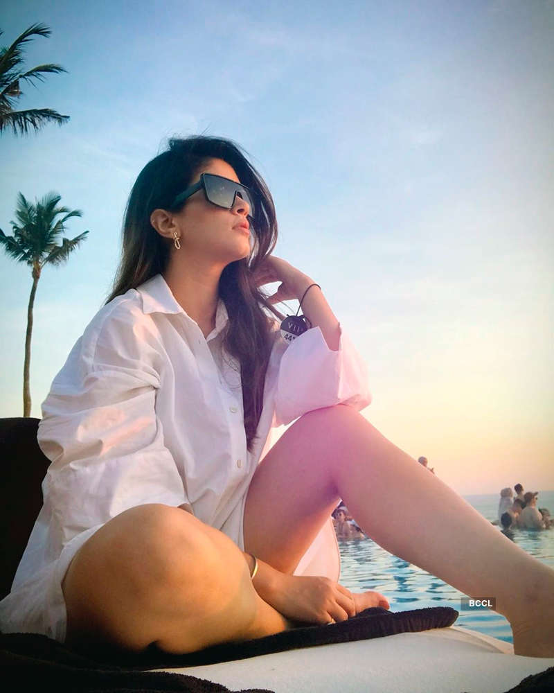 Former Bigg Boss 11 contestant Bandgi Kalra is turning heads in cyberspace with her alluring pictures