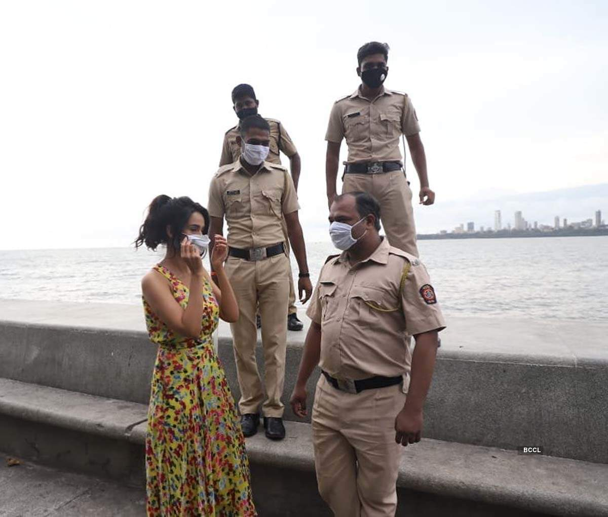 Mallika Sherawat's new picture with Mumbai Police personnel at Marine Drive makes fans curious